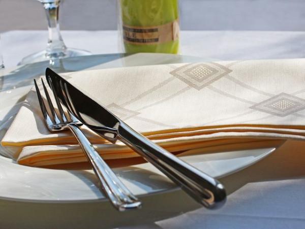 6 damask napkins Milara, champagne, with elegant pattern, 50x50