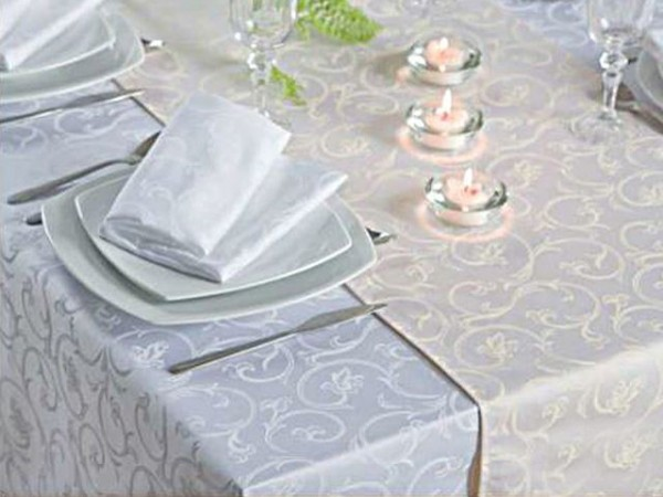 Damask tablecloth Sila, white, with floral pattern, 160x350