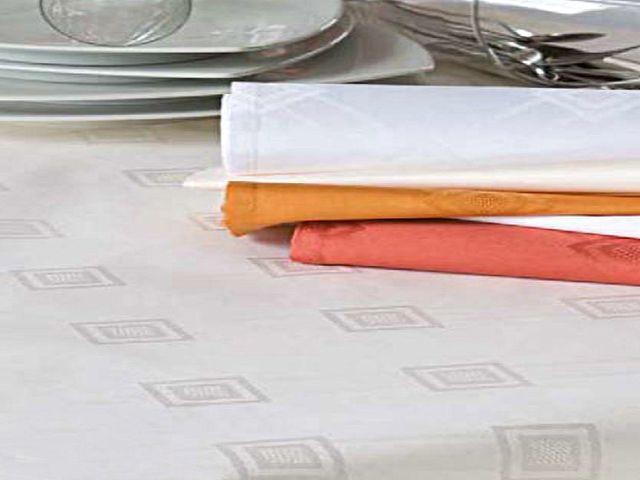 damast tischdecke milara sekt mit elegantem muster 140x260 tischdecken shop libusch. Black Bedroom Furniture Sets. Home Design Ideas