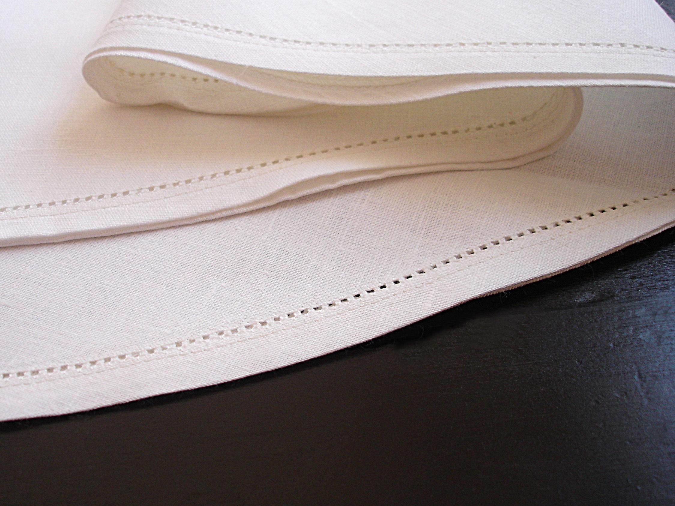 leinen tischdecken rund 150 rund mit hohlsaum tischdecken shop libusch. Black Bedroom Furniture Sets. Home Design Ideas