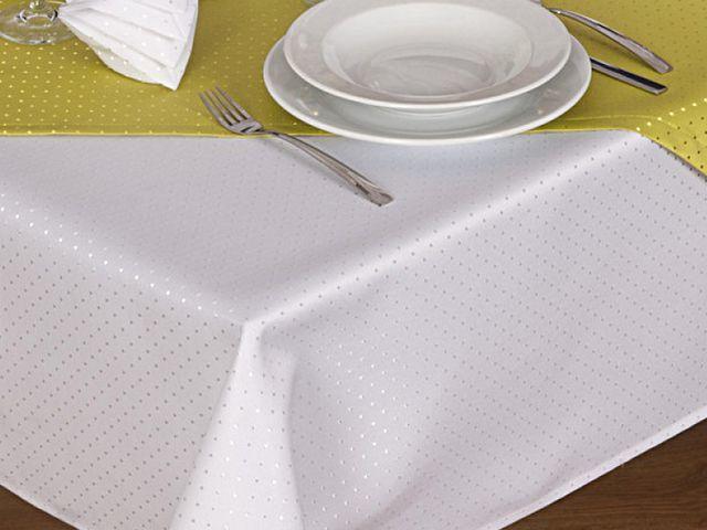Bügelfreie Tischdecke aus Polyester