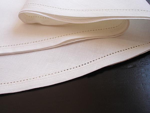 Linen tablecloth, round, with fine hemstitch, antique white, Ø 150