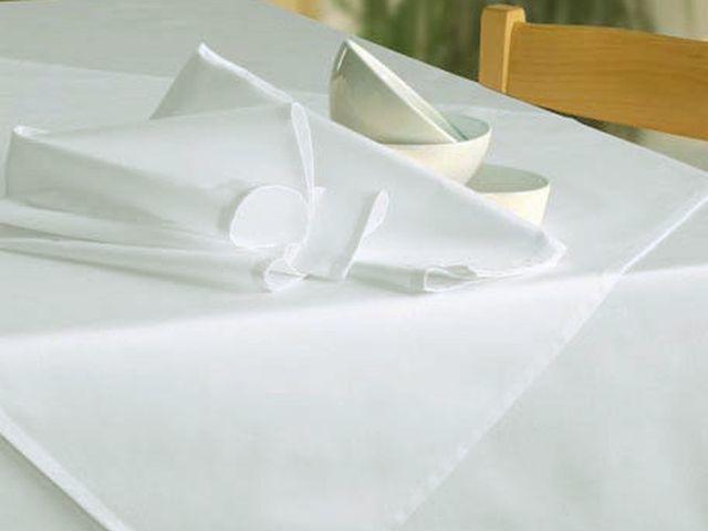 wei e tischdecken ohne muster bis 400cm tischdecken shop libusch. Black Bedroom Furniture Sets. Home Design Ideas