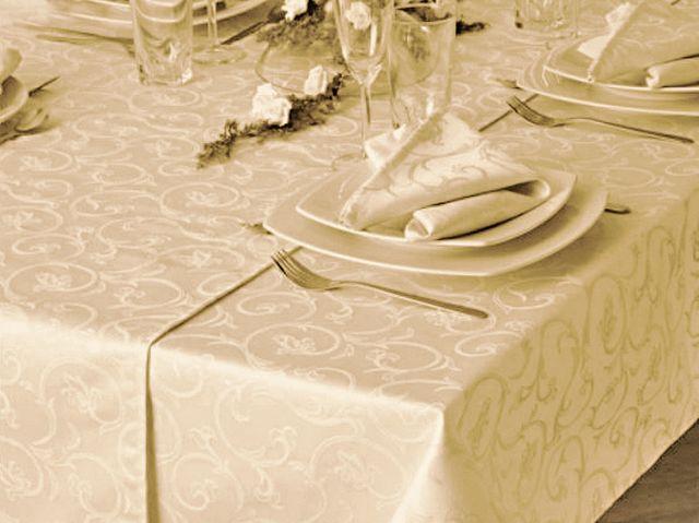 damast tischdecke sila champagner mit floralem muster 140x230 tischdecken shop libusch. Black Bedroom Furniture Sets. Home Design Ideas